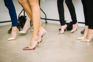 לוקים מנצחים לאירוע משפחתי איך בוחרים נעליים לנשים