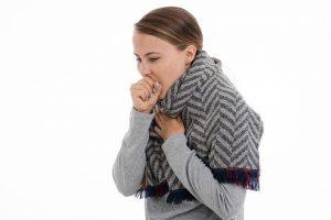 איך מטפלים בשיעול ללא תרופות