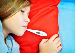 לילד יש חום? כך תתמודדו שלב אחר שלב